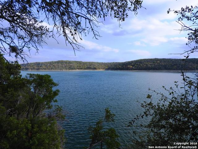 324 Sidney Shores Drive, Lakehills, TX 78063 (MLS #1164055) :: Magnolia Realty