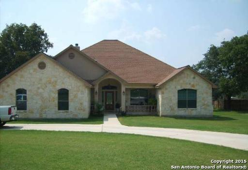 304 Rose Garden Dr, La Vernia, TX 78121 (MLS #1189754) :: Exquisite Properties, LLC