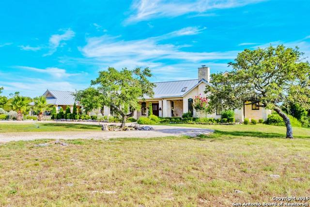 1392 Whiskey Canyon Ranch Rd N, Kerrville, TX 78028 (MLS #1195998) :: The Castillo Group