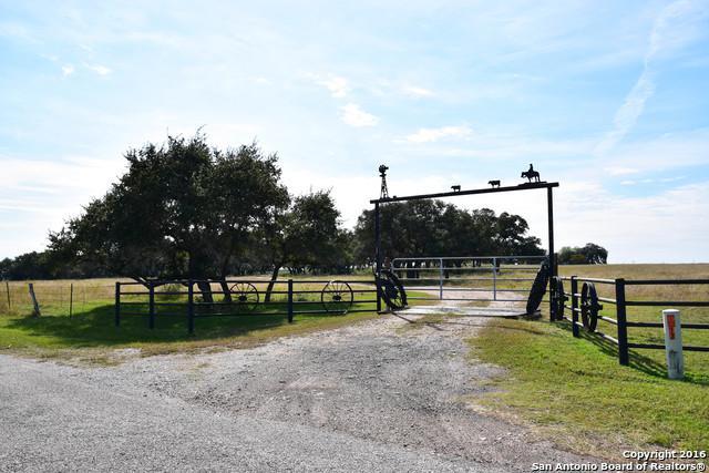 371 County Road 419, Yoakum, TX 77995 (MLS #1215846) :: Exquisite Properties, LLC