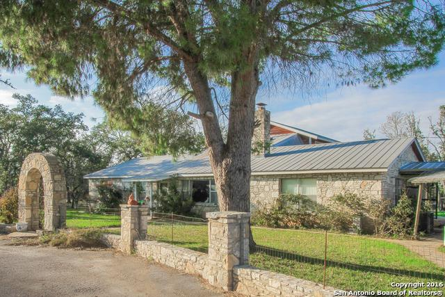 6390 Bump Gate Rd, Pipe Creek, TX 78063 (MLS #1216901) :: Ultimate Real Estate Services