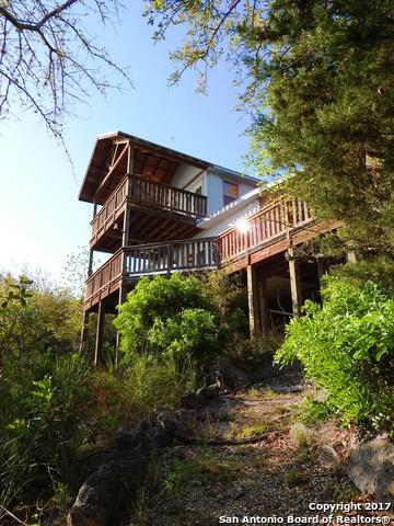 203 Elm Cove Dr, Lakehills, TX 78063 (MLS #1231386) :: Magnolia Realty