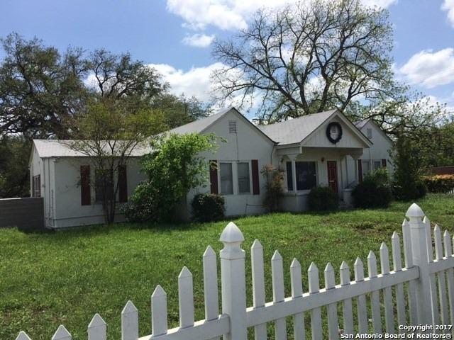 251 W Main St, Uvalde, TX 78801 (MLS #1247238) :: The Mullen Group | RE/MAX Access