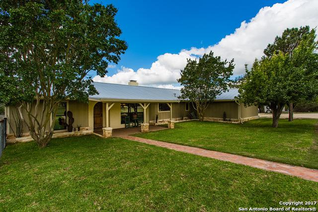 1435 Shin Oak Way, Kerrville, TX 78028 (MLS #1250690) :: Exquisite Properties, LLC