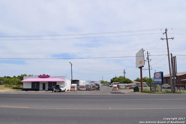 2762 Main St, Eagle Pass, TX 78852 (MLS #1251617) :: Ultimate Real Estate Services