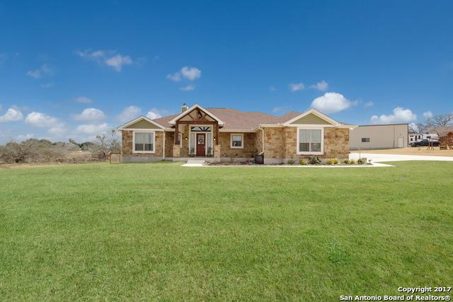 124 Trail Boss, La Vernia, TX 78121 (MLS #1252264) :: Neal & Neal Team