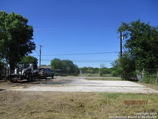 6346 W Commerce St, San Antonio, TX 78237 (MLS #1252684) :: Neal & Neal Team