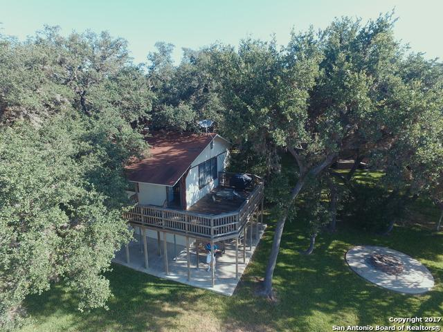 140 Lakeshore Rd, Pipe Creek, TX 78063 (MLS #1257775) :: NewHomePrograms.com LLC