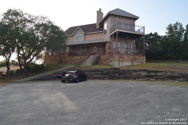 124 Lakewood Dr, Pipe Creek, TX 78063 (MLS #1259619) :: Magnolia Realty
