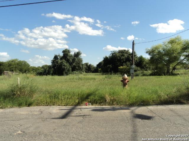 000 N Mansfield, Pleasanton, TX 78064 (MLS #1263834) :: Erin Caraway Group