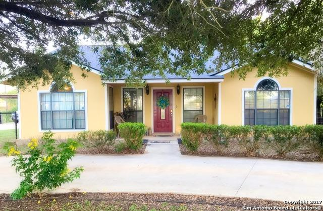 112 Porter Ave, Pearsall, TX 78061 (MLS #1264356) :: Ultimate Real Estate Services