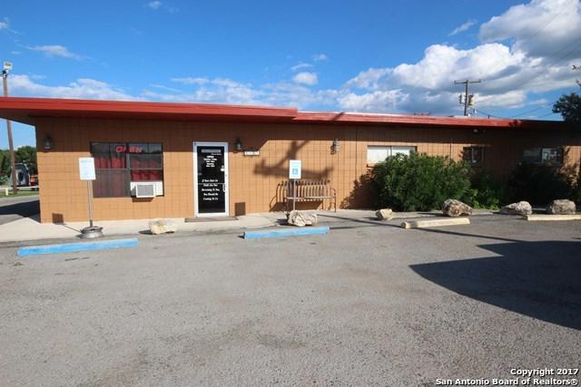 2309 E Main St, Uvalde, TX 78801 (MLS #1265186) :: Ultimate Real Estate Services