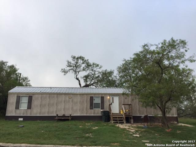 218 N Washington Ave, Karnes City, TX 78118 (MLS #1272511) :: Erin Caraway Group