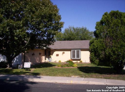 2730 Bear Springs Dr, San Antonio, TX 78245 (MLS #1274541) :: ForSaleSanAntonioHomes.com
