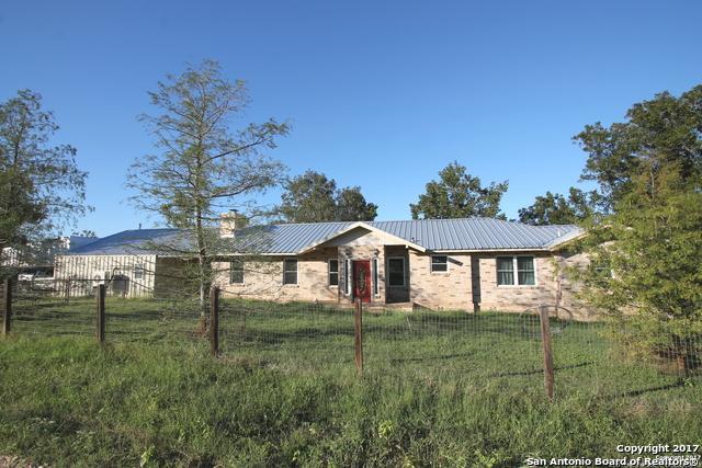 2702 Blue Creek Rd, La Vernia, TX 78121 (MLS #1274555) :: Neal & Neal Team