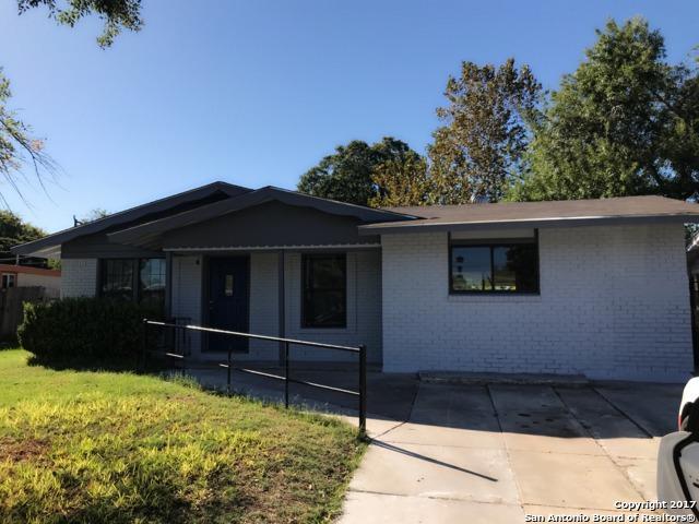 7502 Westfield Blvd, San Antonio, TX 78227 (MLS #1275146) :: Carrington Real Estate Services
