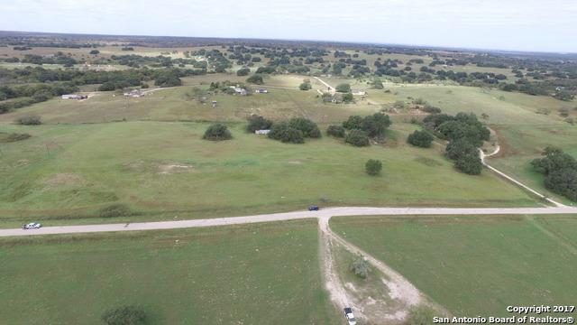 132 County Road 158, Floresville, TX 78114 (MLS #1276003) :: Alexis Weigand Real Estate Group