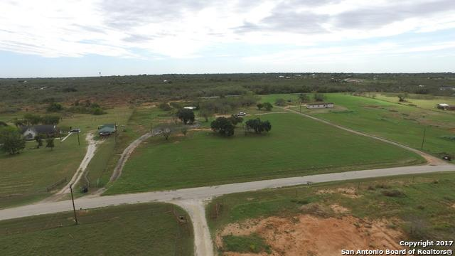 159 County Road 158, Floresville, TX 78114 (MLS #1276010) :: Alexis Weigand Real Estate Group