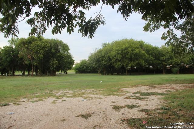 1561 N Heideke, Seguin, TX 78155 (MLS #1276811) :: BHGRE HomeCity