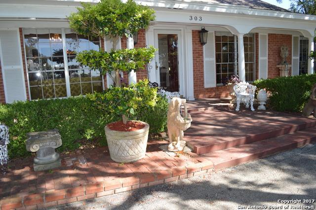 303 Clearview Dr, San Antonio, TX 78228 (MLS #1277372) :: Magnolia Realty
