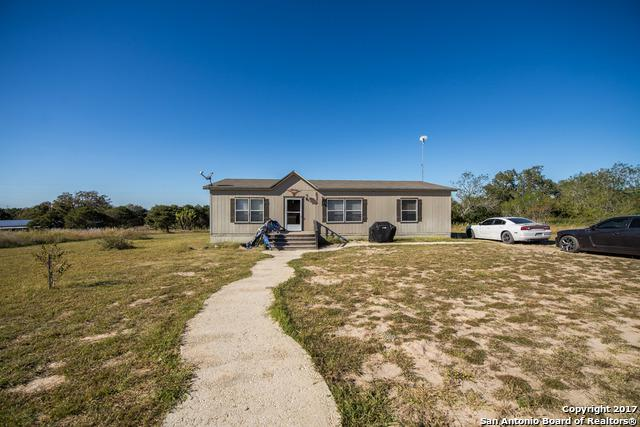 646 Old Colony Rd, Seguin, TX 78155 (MLS #1277923) :: Neal & Neal Team