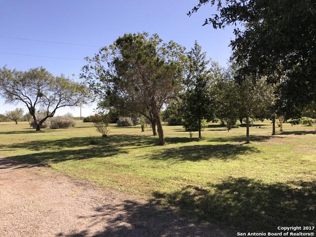 6819 State Highway 55, Uvalde, TX 78801 (MLS #1278069) :: NewHomePrograms.com LLC