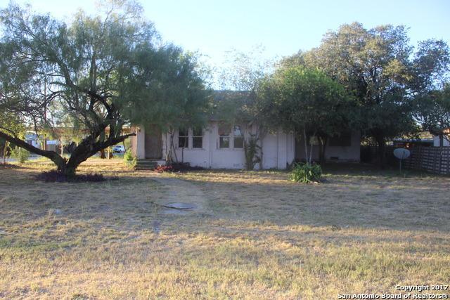 603 Walnut St, Jourdanton, TX 78026 (MLS #1278983) :: The Castillo Group