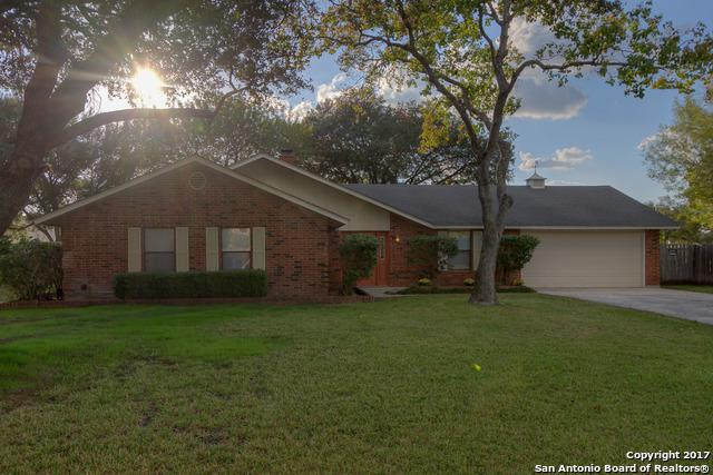 120 Oldtowne Rd, Seguin, TX 78155 (MLS #1279954) :: The Suzanne Kuntz Real Estate Team