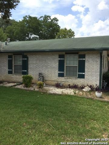 7813 Hollow Oak, Live Oak, TX 78233 (MLS #1280000) :: Ultimate Real Estate Services
