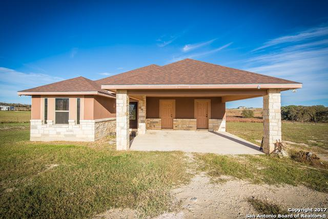213 Lakeview Cir, La Vernia, TX 78121 (MLS #1280425) :: Exquisite Properties, LLC