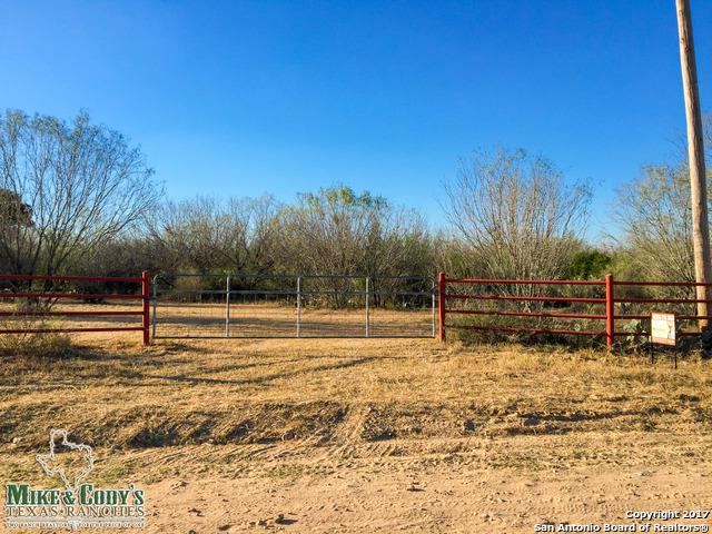 000 Cr 2875, Bigfoot, TX 78005 (MLS #1281220) :: ForSaleSanAntonioHomes.com
