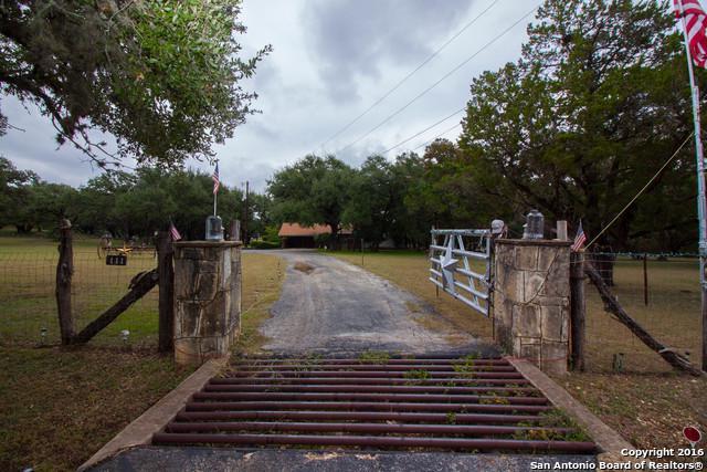 111 Scenic Loop Rd, Boerne, TX 78006 (MLS #1285983) :: The Castillo Group