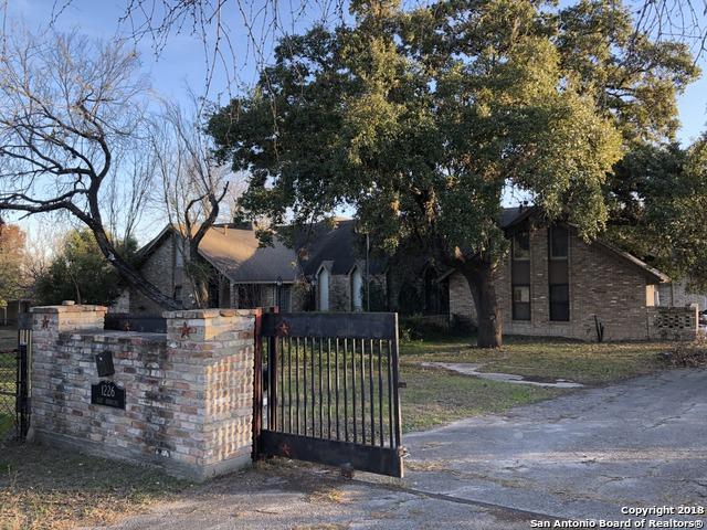 1226 E Sunshine Dr, San Antonio, TX 78228 (MLS #1287498) :: Keller Williams Heritage