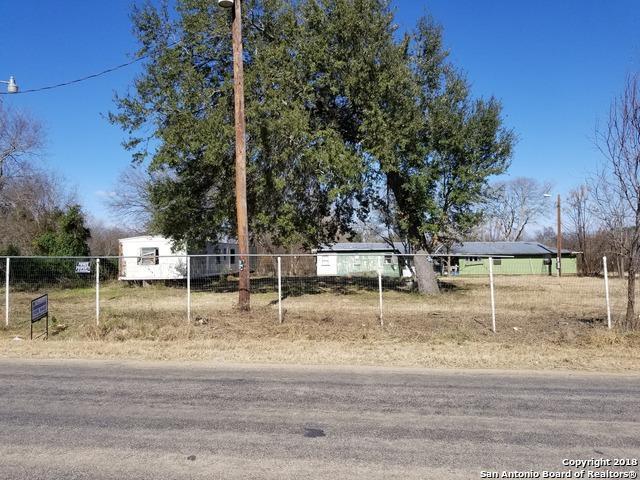 1374 County Road 664, Devine, TX 78016 (MLS #1287880) :: NewHomePrograms.com LLC