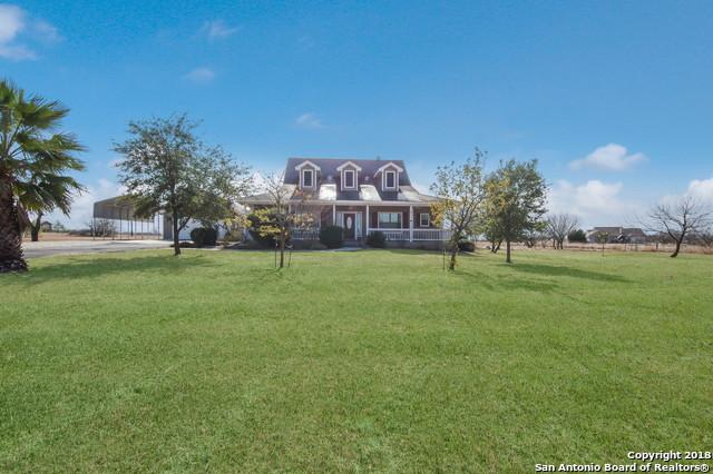5405 Stagecoach Rd, Seguin, TX 78155 (MLS #1287883) :: The Suzanne Kuntz Real Estate Team
