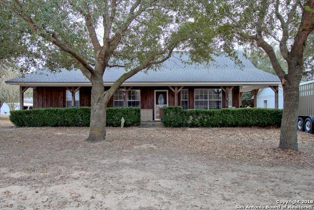 255 S Palo Alto Dr, Floresville, TX 78114 (MLS #1289417) :: Exquisite Properties, LLC