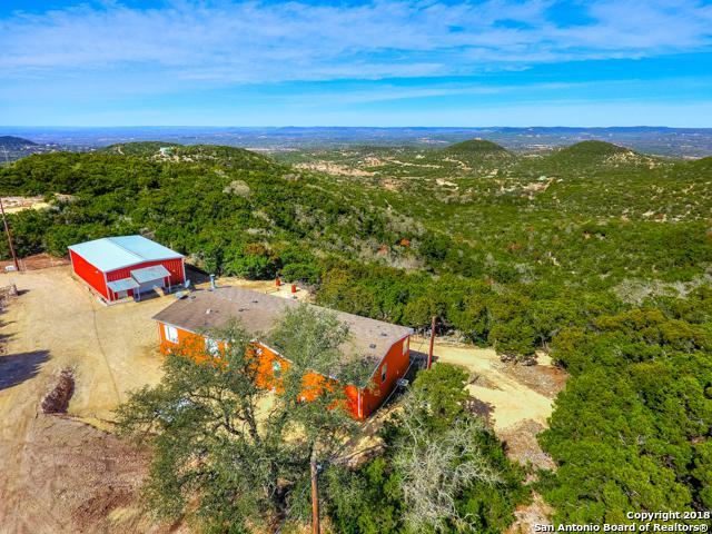3000 Timbercreek Rd, Pipe Creek, TX 78063 (MLS #1290880) :: Erin Caraway Group