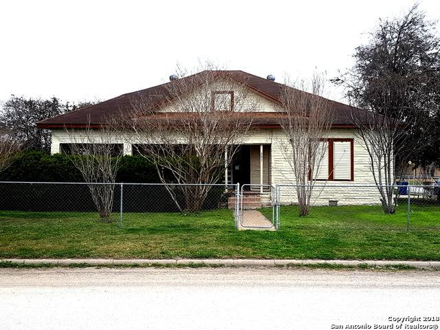 221 S Nueces St, Mathis, TX 78368 (MLS #1291312) :: NewHomePrograms.com LLC