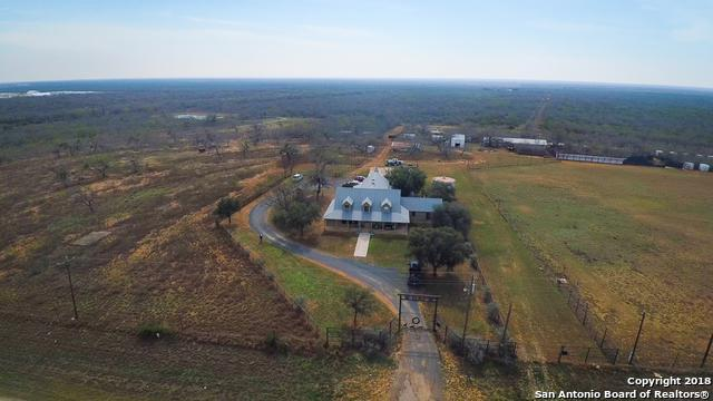 2735 Highway 85, Dilley, TX 78017 (MLS #1292257) :: Neal & Neal Team