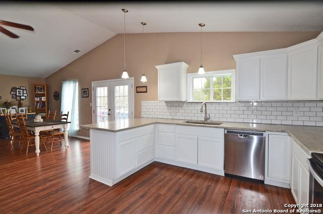 651 Hampton, Canyon Lake, TX 78133 (MLS #1292332) :: Magnolia Realty