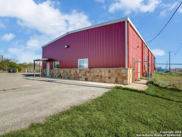 450 County Road 4670, Dilley, TX 78017 (MLS #1293631) :: Tom White Group