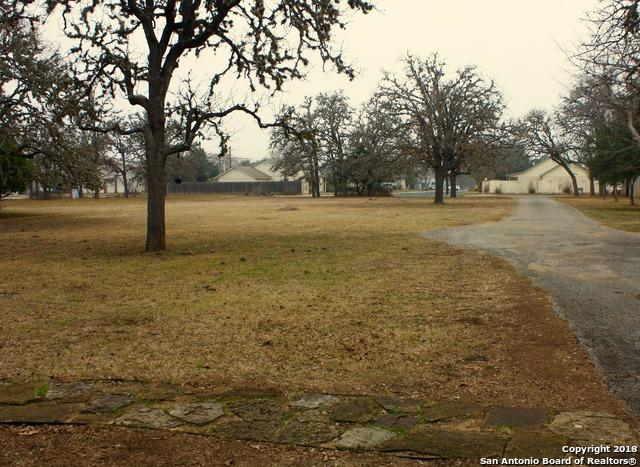 1037 E Blanco Rd, Boerne, TX 78006 (MLS #1293754) :: Alexis Weigand Real Estate Group