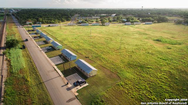 101 Vaughn Rd, Pearsall, TX 78061 (MLS #1294069) :: The Castillo Group