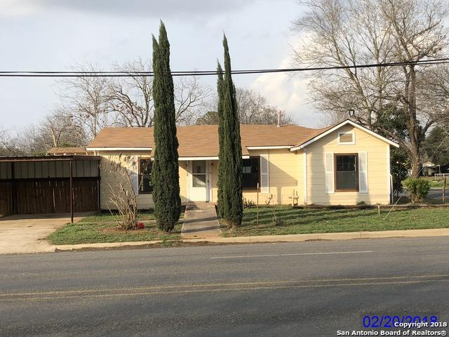 821 E Colorado St, Pearsall, TX 78061 (MLS #1296335) :: NewHomePrograms.com LLC