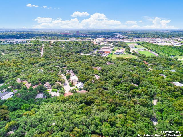 243 Fox Hall Ln, Castle Hills, TX 78213 (MLS #1296562) :: Neal & Neal Team