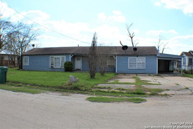 218 S Yule Ave, Charlotte, TX 78011 (MLS #1296565) :: Exquisite Properties, LLC
