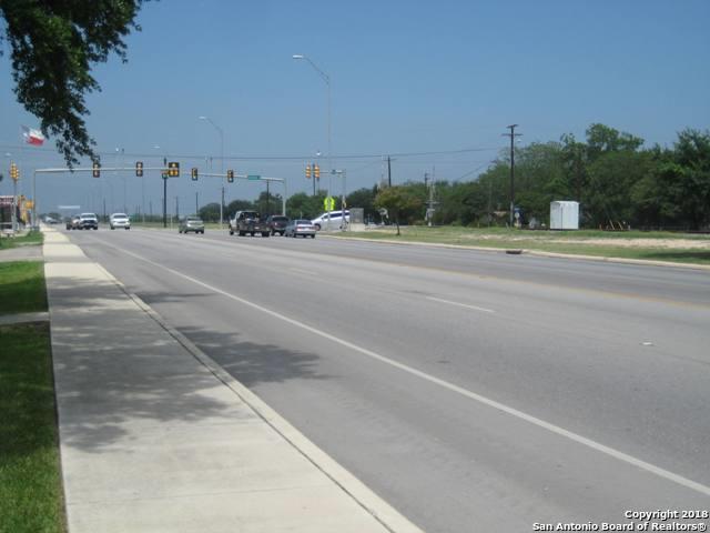 1901 19TH ST, Hondo, TX 78861 (MLS #1296670) :: The Castillo Group