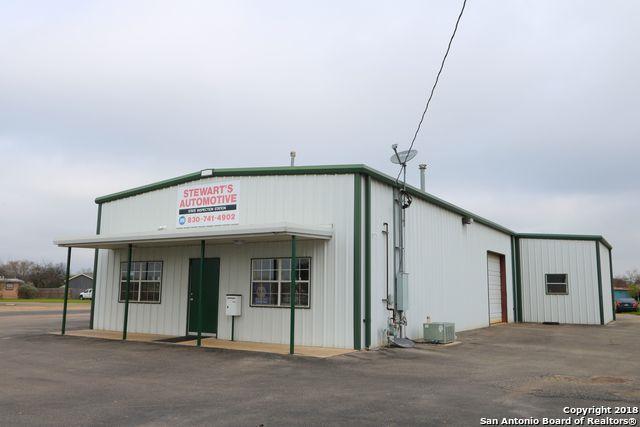 108 18th St, Hondo, TX 78861 (MLS #1296969) :: The Castillo Group