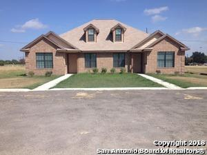 104 Nottingham Ln, Kenedy, TX 78119 (MLS #1297084) :: Exquisite Properties, LLC