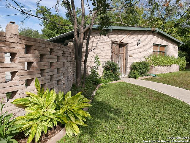 913 Canterbury Hill St, San Antonio, TX 78209 (MLS #1297659) :: The Castillo Group